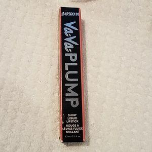 VaVa plump shiny lipstick  3.5 ml feel the passion